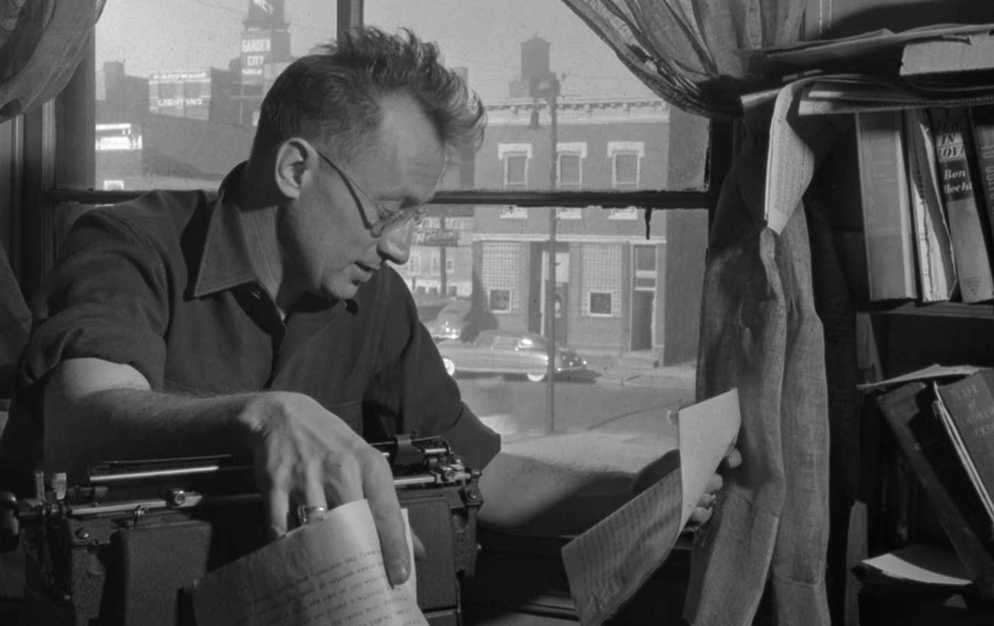 nelson-algren-at-typewriter-otu-img