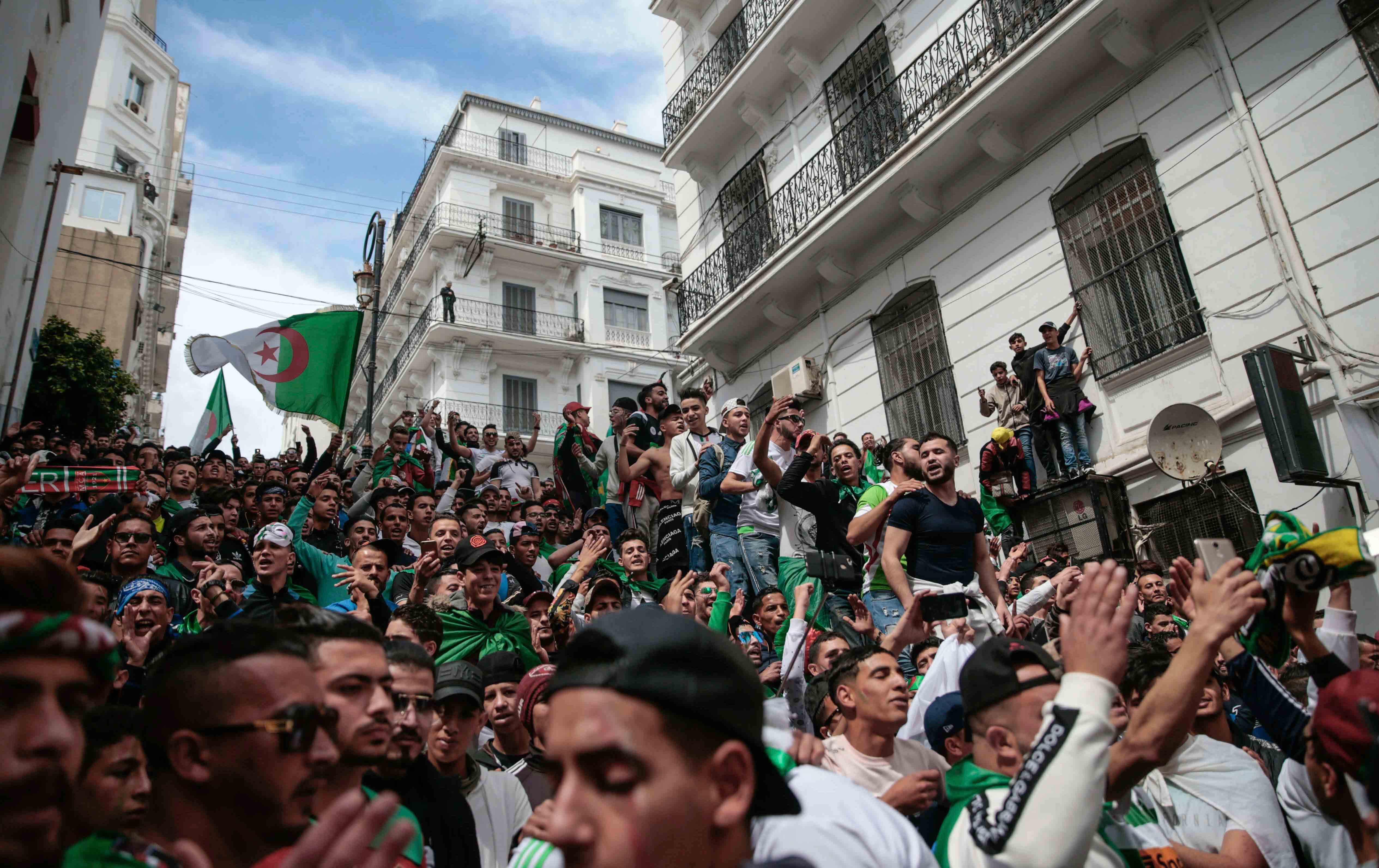 Soccer fans protest the Algerian state