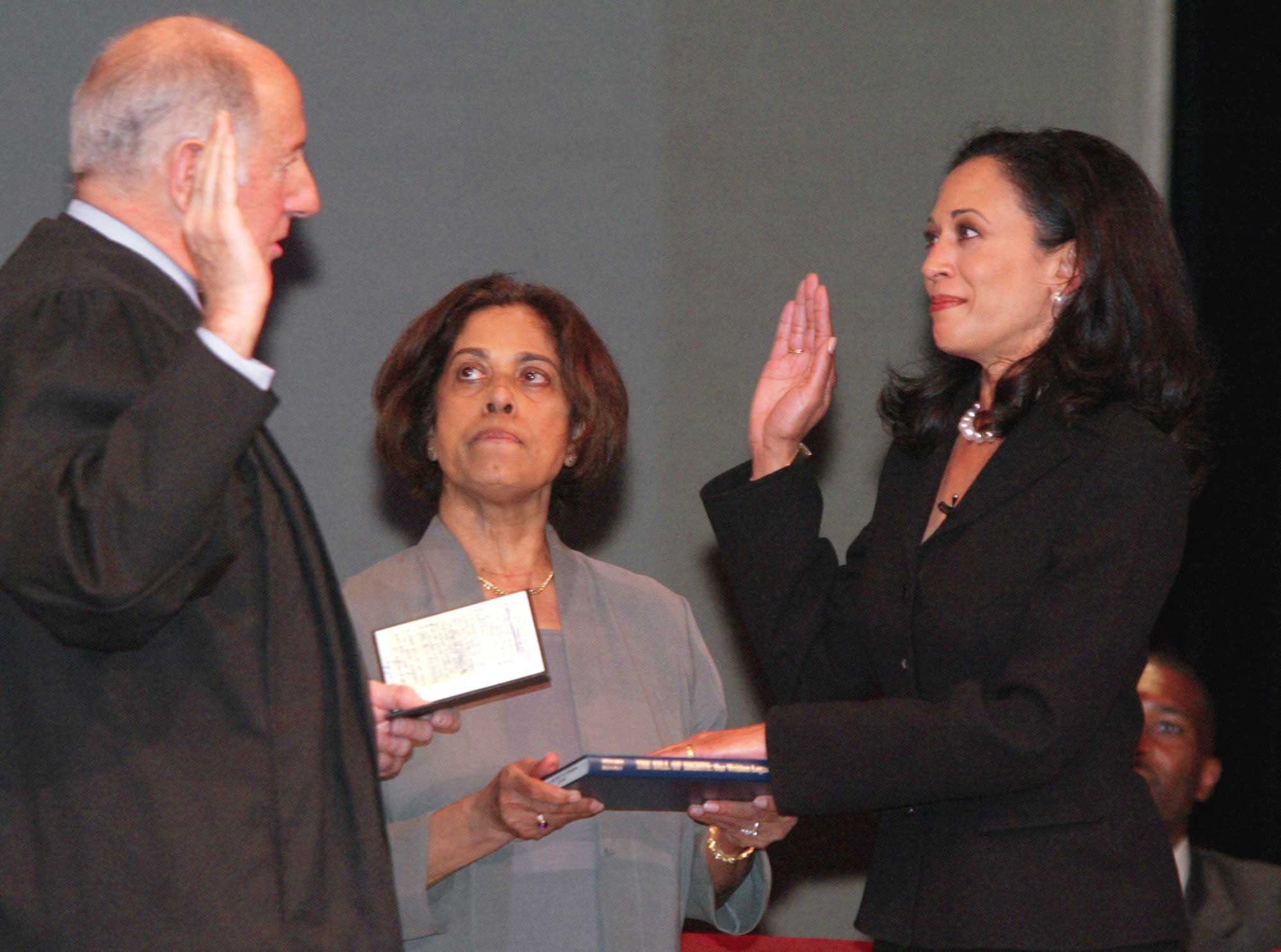 Kamala Harris Swearing In DA