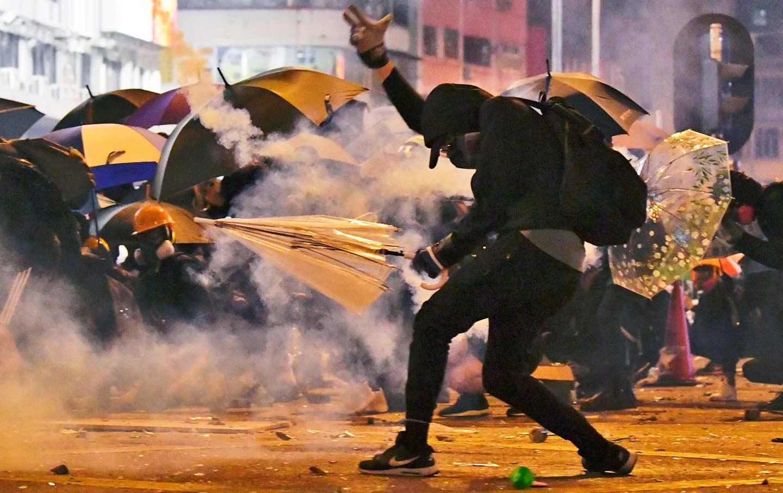 HK-Polytechnic-tear-gas-ap-img