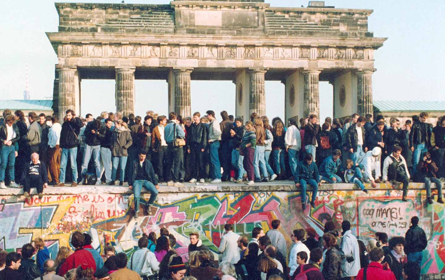 berlin-wall-ap-img