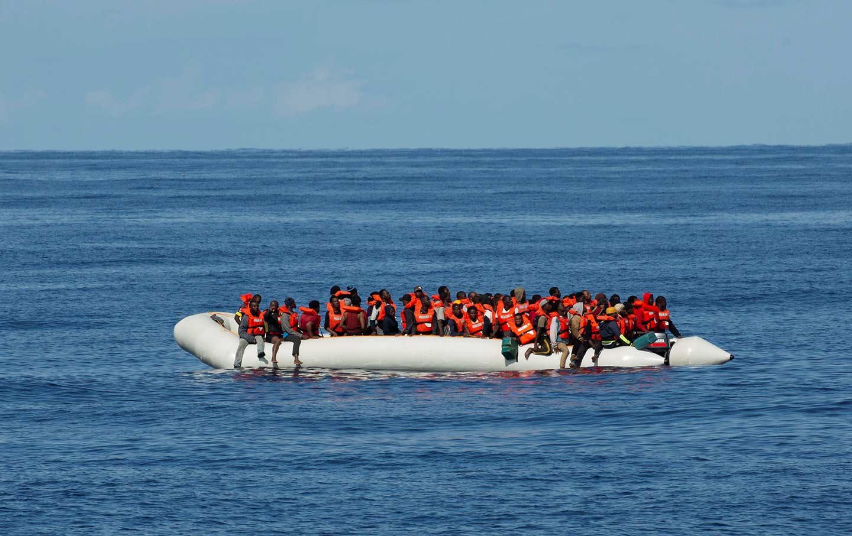 migrants_ocean_img