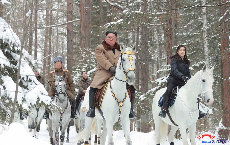 Kim-Jong-Un-Horseback-ap-2-img