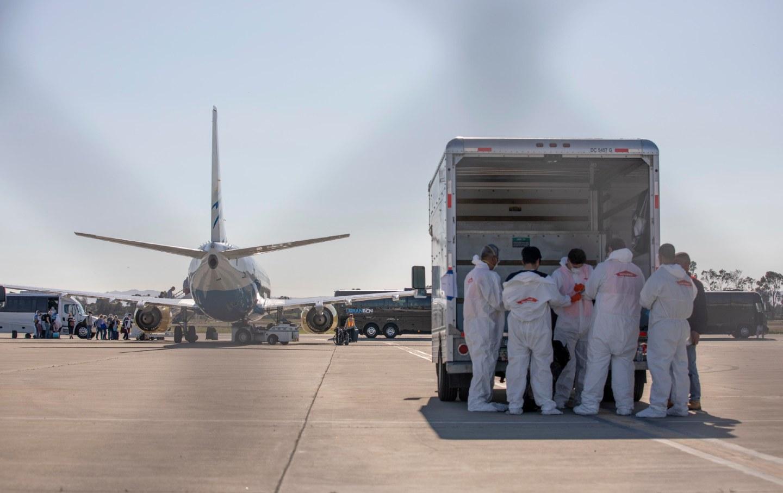 coronavirus-airport-medical-team-img