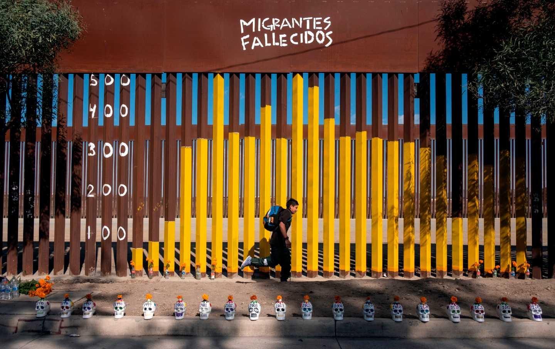 mexico-us-border-fallen-migrants-gty-img