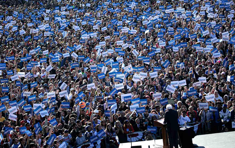 bernie-sanders-queens-crowd-rally-gt-img