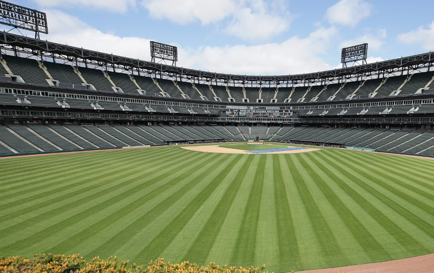 baseball-field-white-sox-gt-img