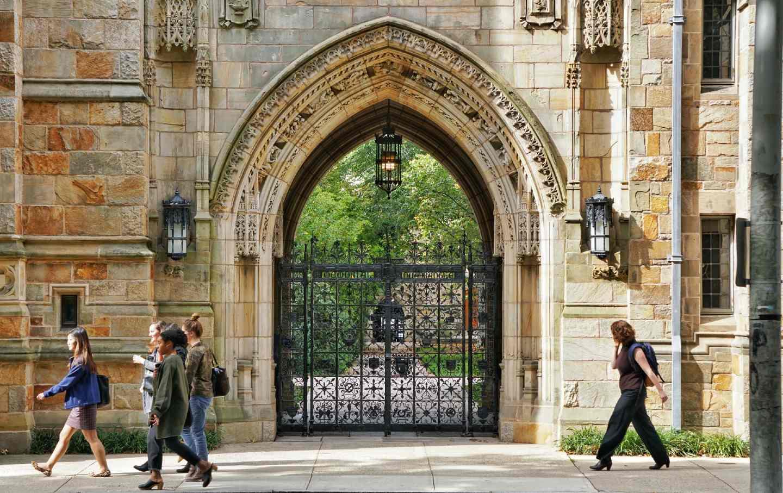 yale-university-shutterstock-img