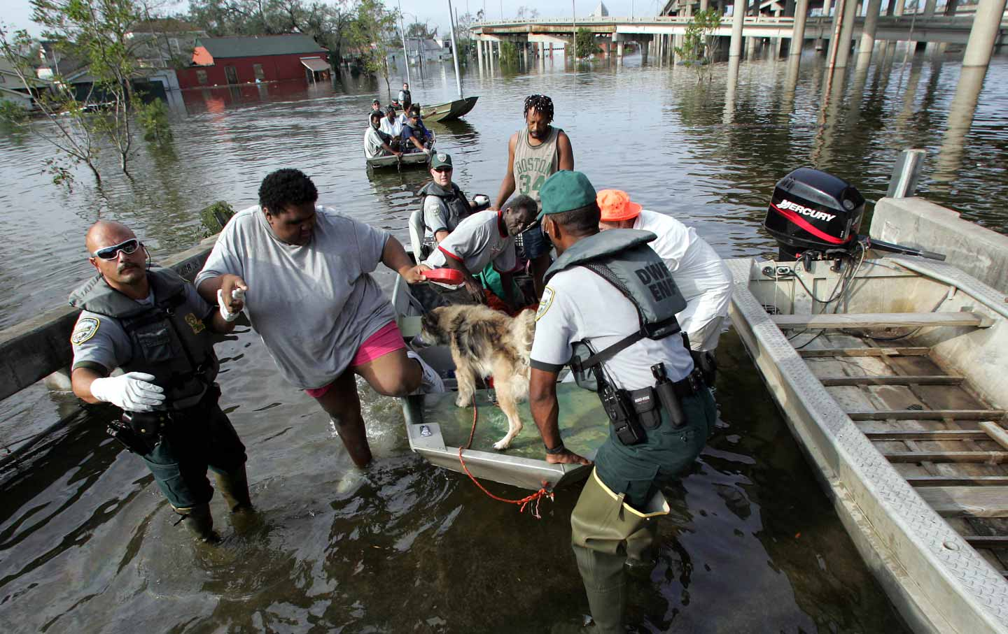 hurricane-katrina-flood-rescue-ap-img