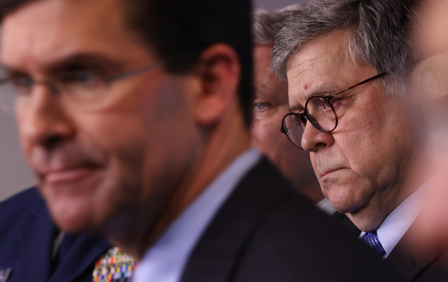 william-barr-press-conference-portrait-gt-img