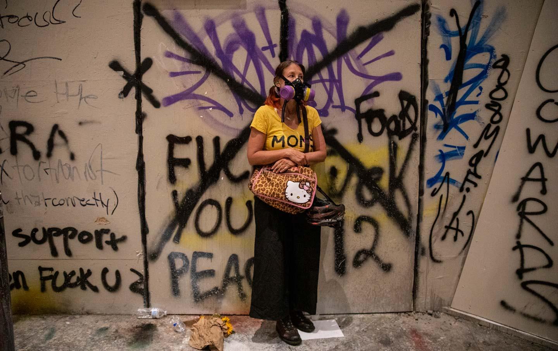 portland-moms-protest-graffiti-gty-img