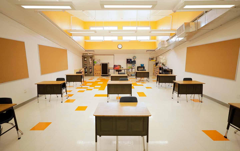empty-desks-school-gt-img