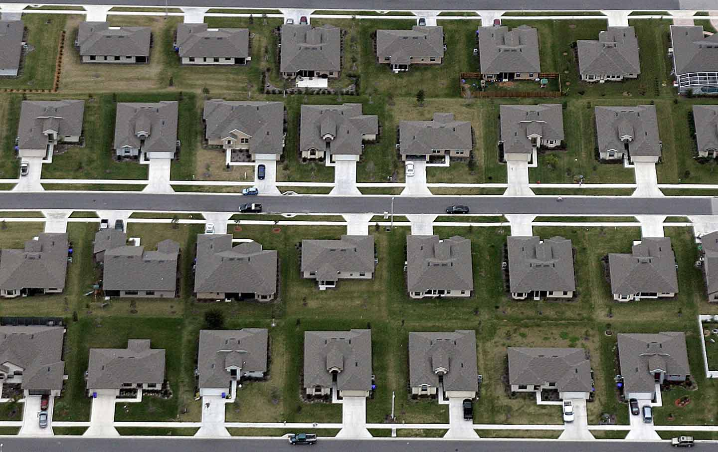 suburbs-housing-subdivision-gt-img