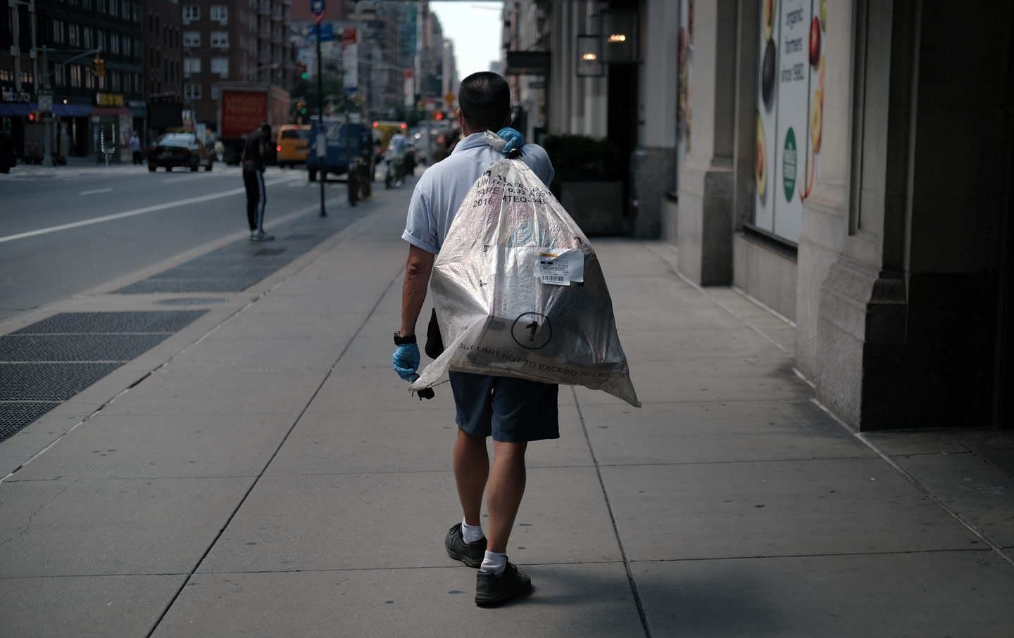 usps-mail-carrier-bag-gty-img