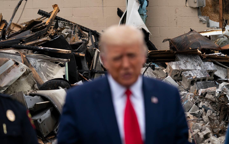 trump-kenosha-damage-rubble-ap-img