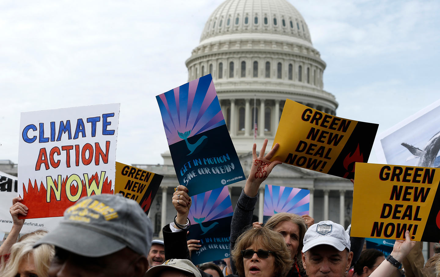 climate-protest-signs-capital-gty-img