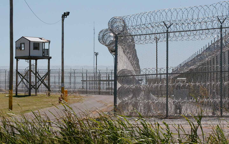 oklahoma-prison-ap-img