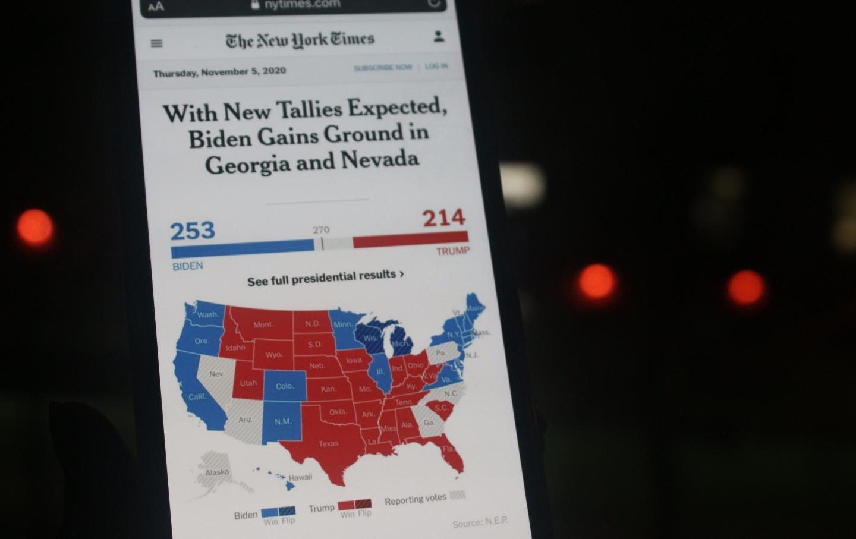 nytimes-map-phone-shutterstock-img