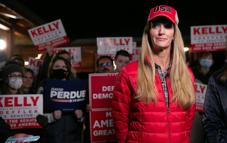 نامزدهای جمهوری خواه سنای جمهوری جورجیا برای ادامه و مبارزات انتخاباتی لوفلر برای دور دوم
