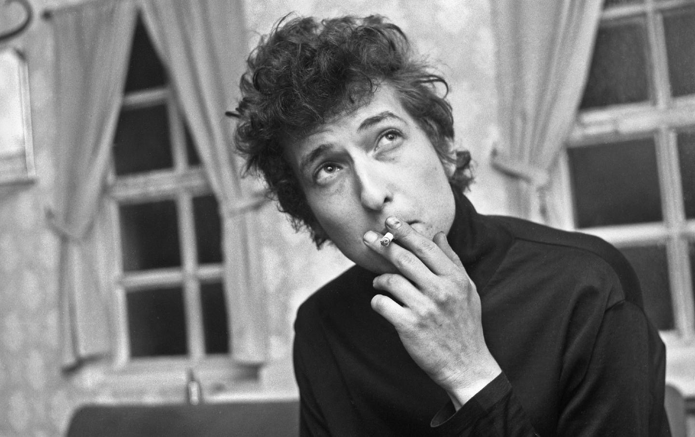 باب دیلن در Montfort Hall ، لستر (انگلستان) در سال 1965.