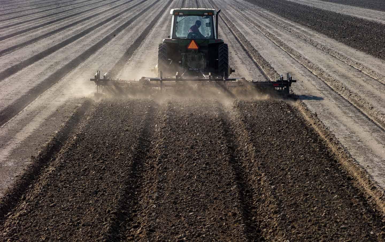 stockton-farm-plow-field-gty-img