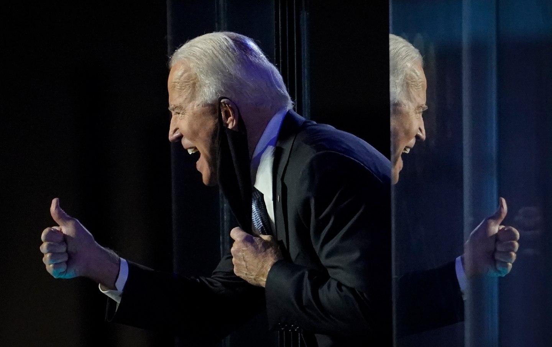 Biden-Thumbsup-gt-img