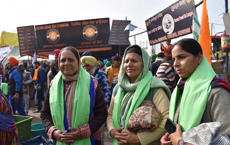 Protestingwomenshawls
