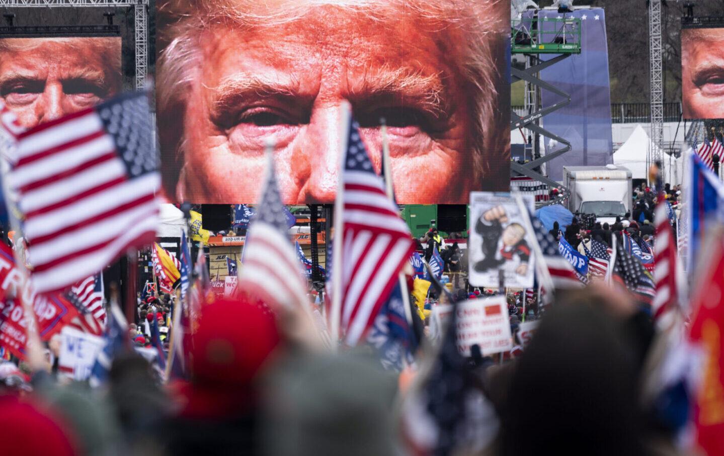 Trump-looming-head-ap