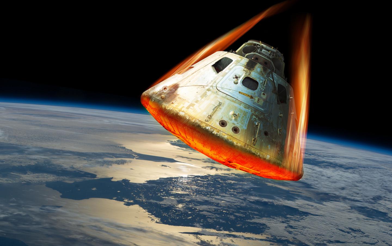 space-capsule-reentry-shtrstck
