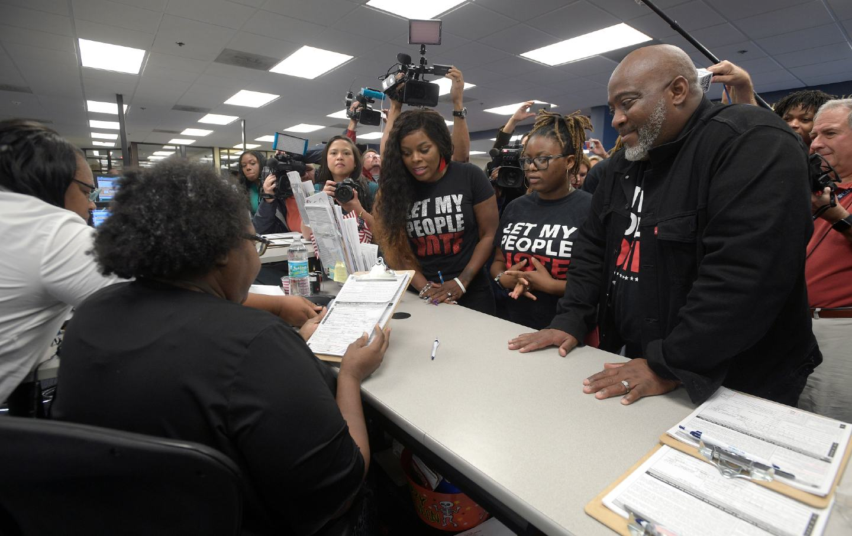 ex-felon registers to vote in Florida