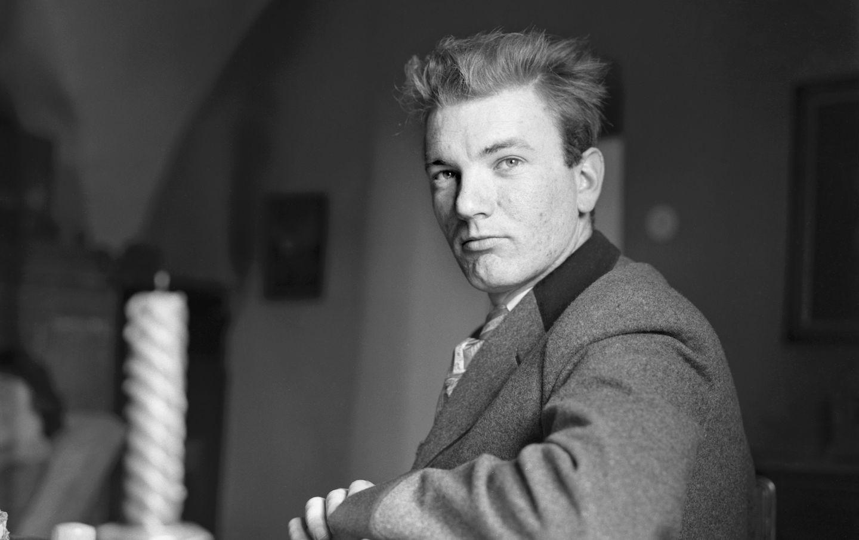 Austrian author Thomas Bernhard. Tonhof. Maria Saal. Carinthia. Photograph. Christmas 1957/58 (Photo by Helmut Baar