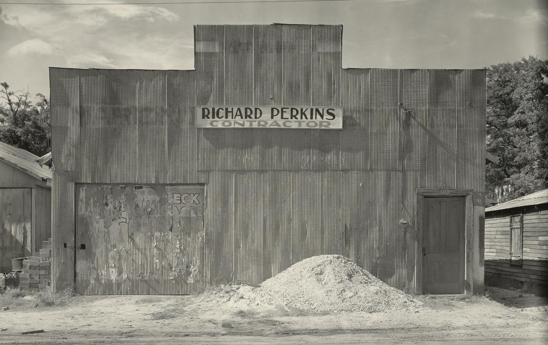 Corrugated Tin Facade / Tin Building WALKER EVANS